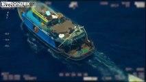 Comment les passeurs de migrants fonctionnent en mer ? Avec 2 bateaux !