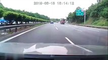 Flying iron bar impales a car windscreen on Chinese motorway