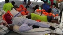 Migranti a largo di Lampedusa, immagini a bordo della Sea Watch