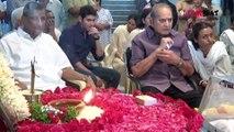 Mahesh Babu Consoling His Dad Super Star Krishna || Filmibeat Telugu
