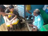 Smriti Zubin Irani got her sandal mended by a wayside cobbler