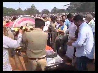 Watch: Sumalatha son Abhishek pays tribute to mortal remains of Ambareesh at Mandya