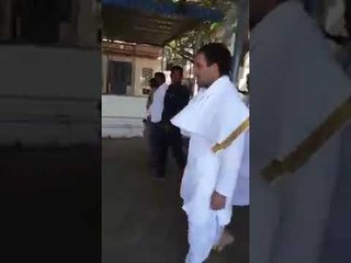 Rahul Gandhi at Tirupati finds it difficult to walk wearing dhoti