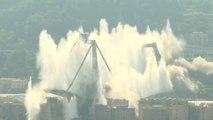 Les restes du Pont de Gênes dynamités à l'explosif
