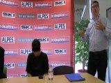 Alexandre Bompard, le pdg de Carrefour participe à une réunion de lecteurs à Annecy