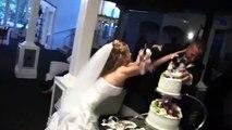 Quand le mariage dégénère au moment de la découpe du gâteau...