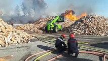 Sorgues : un feu se propage au bord de l'A7, circulation au ralenti