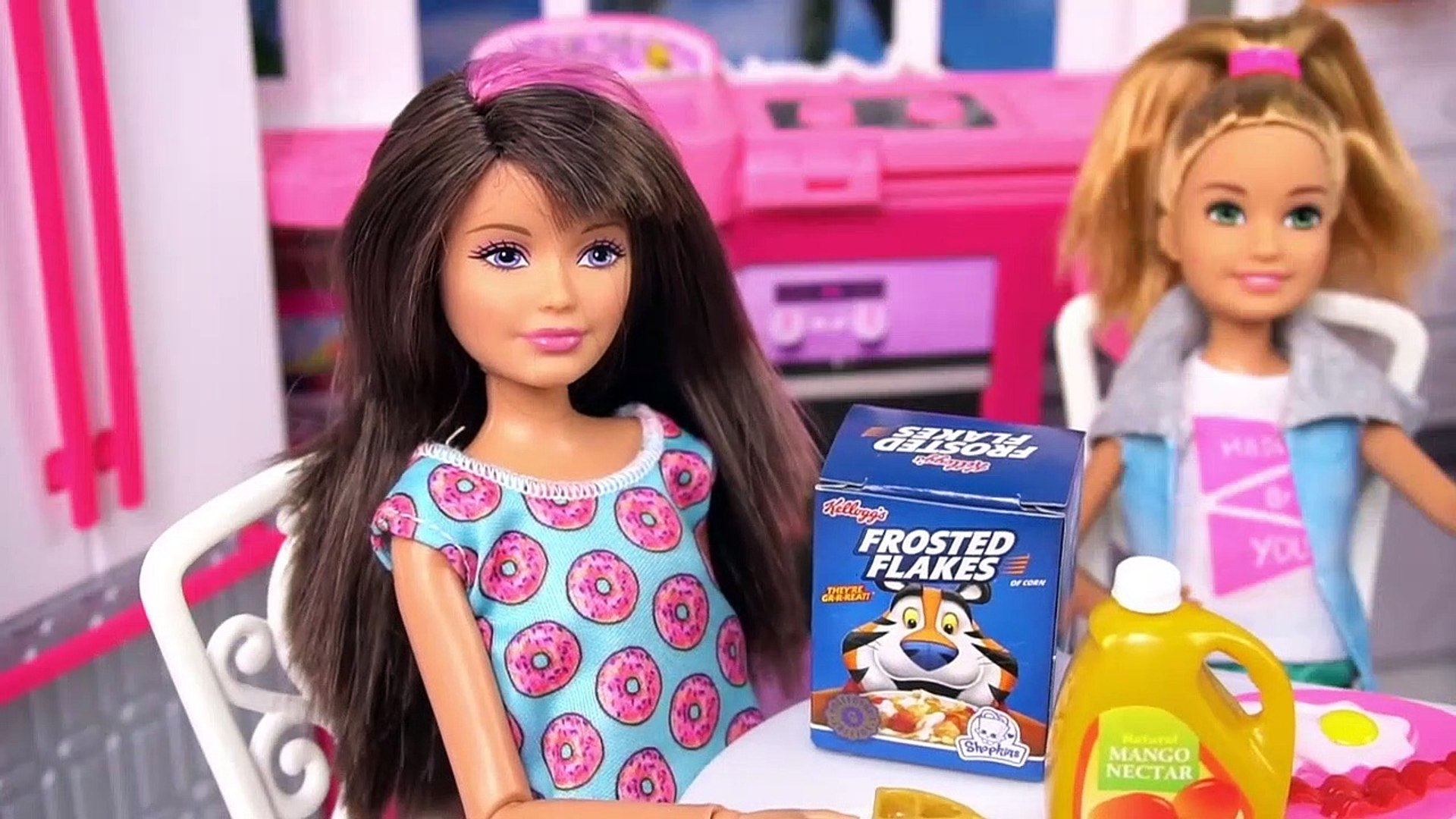 Barbie Chelsea Stacie New School Morning Routine Packing Lunchbox Riding School Bus Video Dailymotion