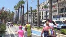 Yabancı turistlere İngilizce afişli uyarı