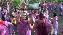 Thousands gather for massive wine fight in Northern Spain