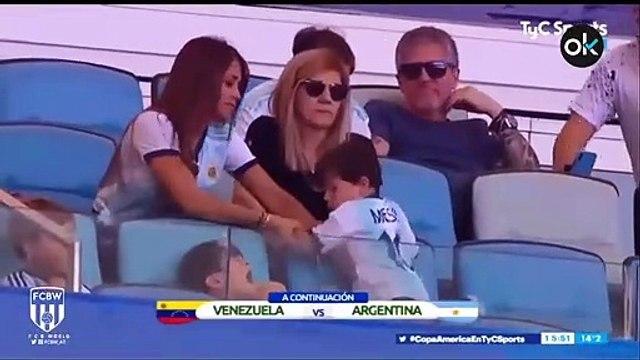 Así se lo pasa el hijo de Messi durante los partidos de su padre