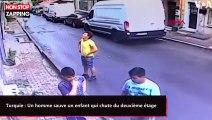 Turquie : Un homme sauve un enfant qui chute du deuxième étage (vidéo)