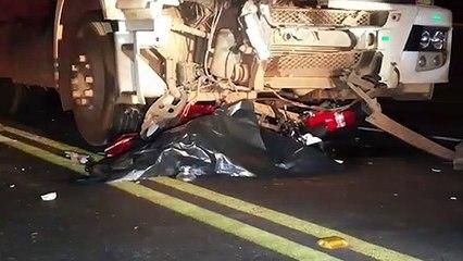 Dois jovens morrem em grave acidente de trânsito na rodovia BR-277