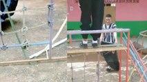 Panique à l'école : deux élèves courageux capturent un serpent