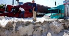 Mexique : la ville de Guadalajara recouverte de glace après un violent orage de grêle