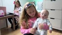 Sophia, Isabella e Alice Brincando com o Bebê e Isabella Brincando de Doutora Brinquedos Disney