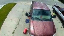 Les freins lâchent pendant que 2 mécaniciens travaillent sur cette voiture !