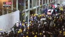 Hong Kong : le Parlement pris pour cible