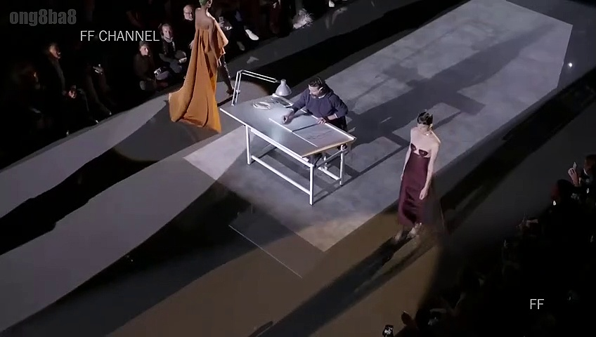 Schiaparelli – Fall Winter 2019 Couture Full Show – Paris ( France ) Fashion Week 01/07/2019