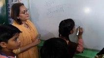 रामपुर के सरकारी स्कूल में टीचर बनीं जयाप्रदा, बच्चों की ली क्लास, देखिए वीडियो