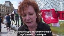 Manifestation contre le financement du Louvre par les Sackler