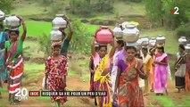Sécheresse en Inde : des femmes risquent leur vie pour puiser de l'eau