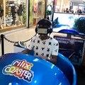Il devient fou dans dans montagnes russes en réalité virtuelle... La honte