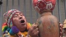 Chamanes y brujos peruanos acuden a sus mejores conjuros para vencer a Chile