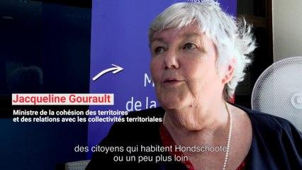 Jacqueline Gourault se rend à Hondschoote, département du Nord, à la rencontre de ses habitants