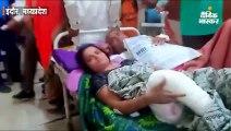 एमवाय अस्पताल में नहीं था स्ट्रैचर, एक पलंग पर महिला व पुरुष मरीज को लेटाकर जांच के लिए भेजा