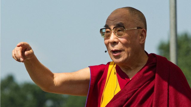 Dalai Lama Apologizes For Sexist Joke