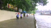 Monsoon rains paralyse Mumbai with worst flooding in a decade
