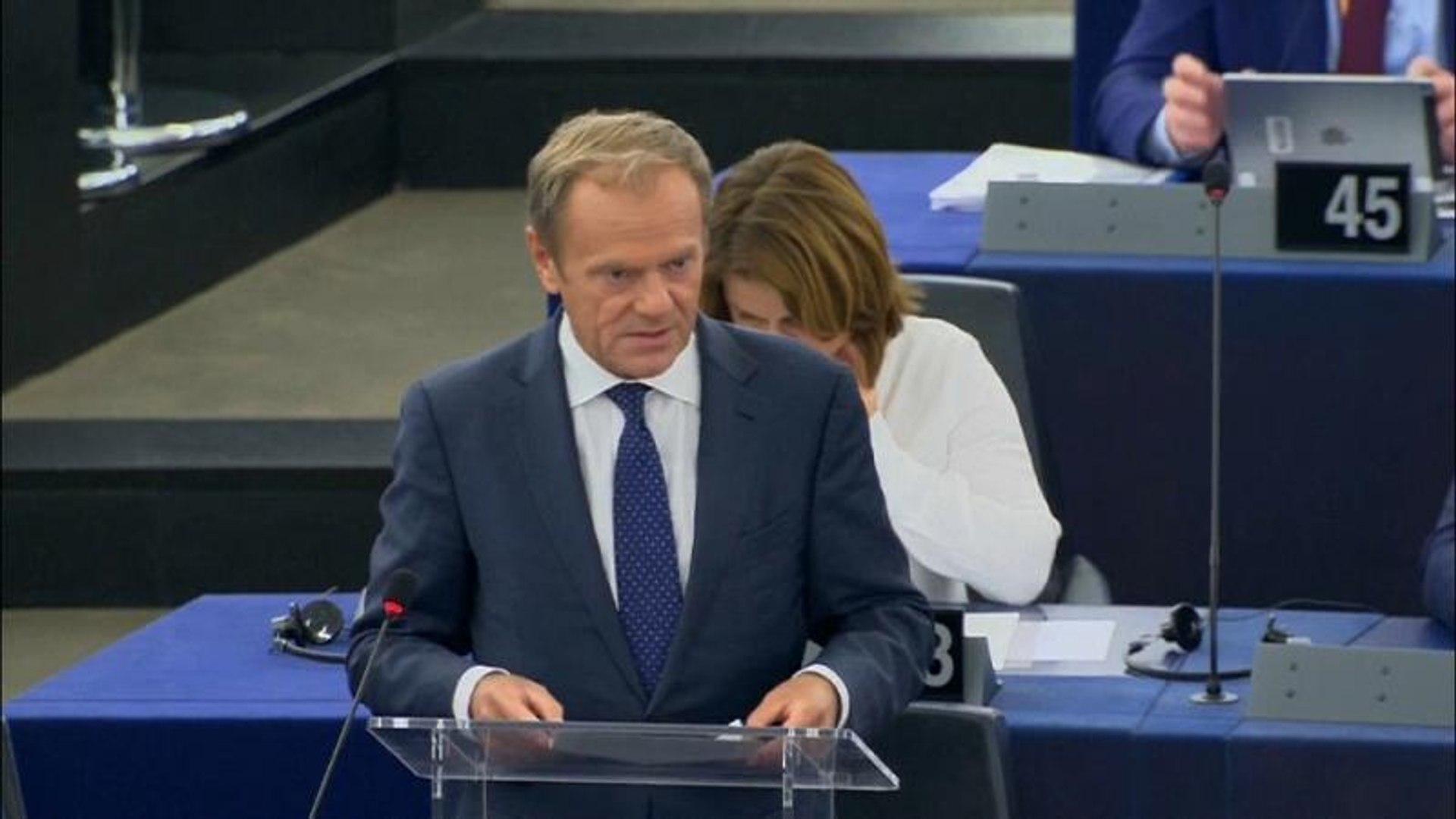 Tusk pede aos eurodeputados para aprovarem Ursula von der Leyen