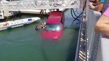 Il oublie les freins et sa voiture fini dans le port !