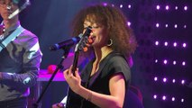 Mae Defays - Love Is Stronger Than Pride (Live) - Le Grand Studio RTL