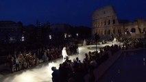 A Rome, Fendi rend hommage à Lagerfeld