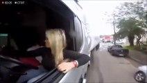 Cette femme manie son camion comme personne... Créneau incroyable