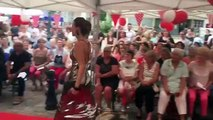 Des mannequins défilent en mode vintage à Lons-le-Saunier