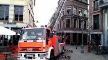 Mons: intervention des pompiers sur le toit de la pizzeria