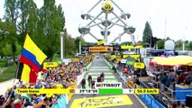 Teunissen retains yellow jersey as Jumbo-Visma win team time trial