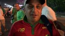 Un supporter algérien échange son maillot avec un Guinéen