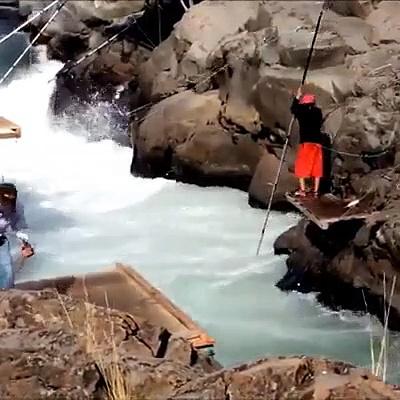 Amazing Big Fishing Catching Skill, Traditional Net Fishing And Net Fishing in The Sea