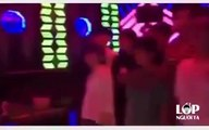 Khi học sinh gương mẫu đi hát karaoke