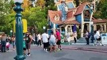 Baston à Disneyland (Californie)