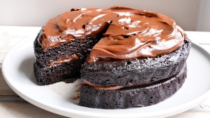 Vegan Chocolate Fudge Cake - Recipe RFHB