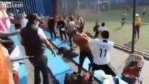 Embrouille entre parents.. d'enfants joueurs de foot lors d'un match au mexique !