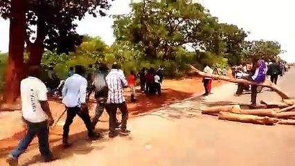 La route Bouré - Siguiri barricadée par les ex employés des sociétés sous traitants de la SAG