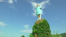 Sculpture horrible de Melania Trump dans sa ville natale en Slovénie