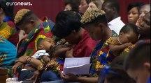 """Les migrants sont """"le symbole de tous les exclus de la société globalisée"""", estime le Pape"""