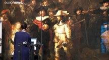 """""""Ronde de nuit"""" de Rembrandt restaurée au grand jour, en public"""